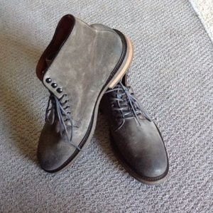 Kenneth Cole Ny Pun-Ny Farms Suede Ankle Boot
